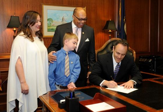 scr9 bill signing-2